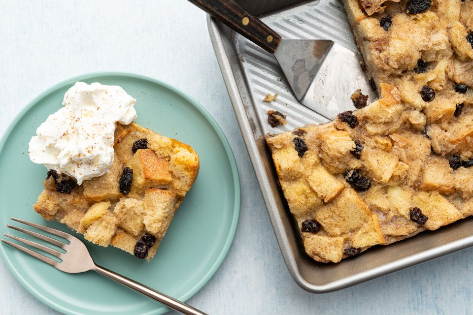 Old Fashioned Spiced Bread Pudding With Raisins