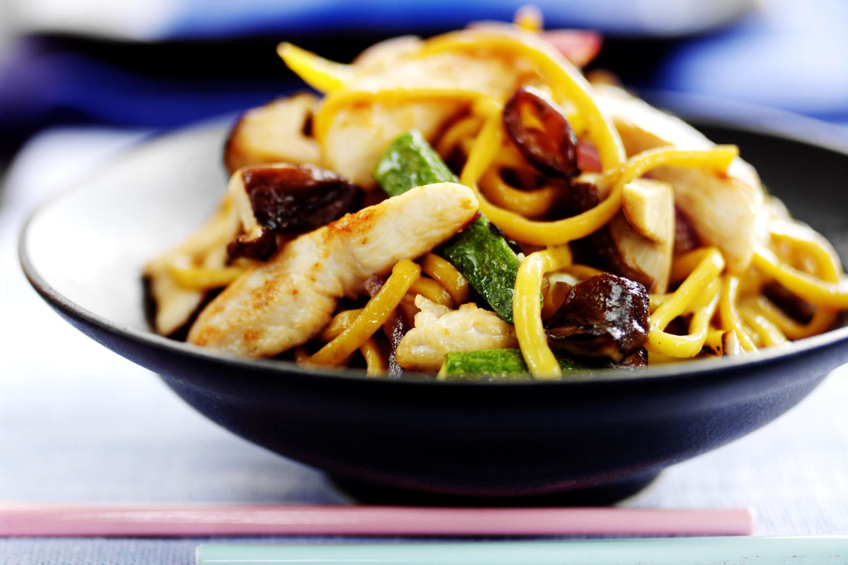 How to Make Healthy Baked Chicken Chow Mein