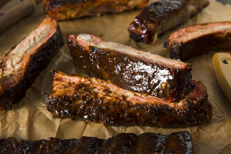Scattered Saint Louis-style ribs