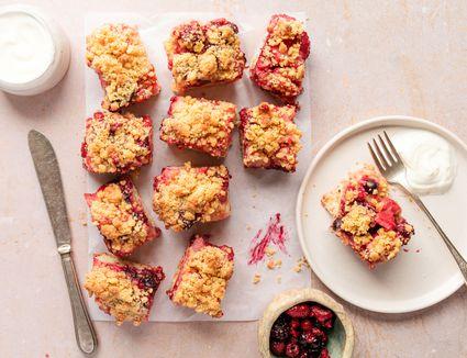 Bumbleberry crumb cake recipe