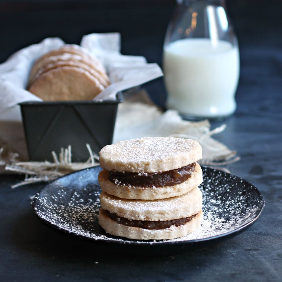 Honey and Date Sandwich Cookies