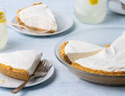 Refreshing Frozen Lemonade Pie Recipe
