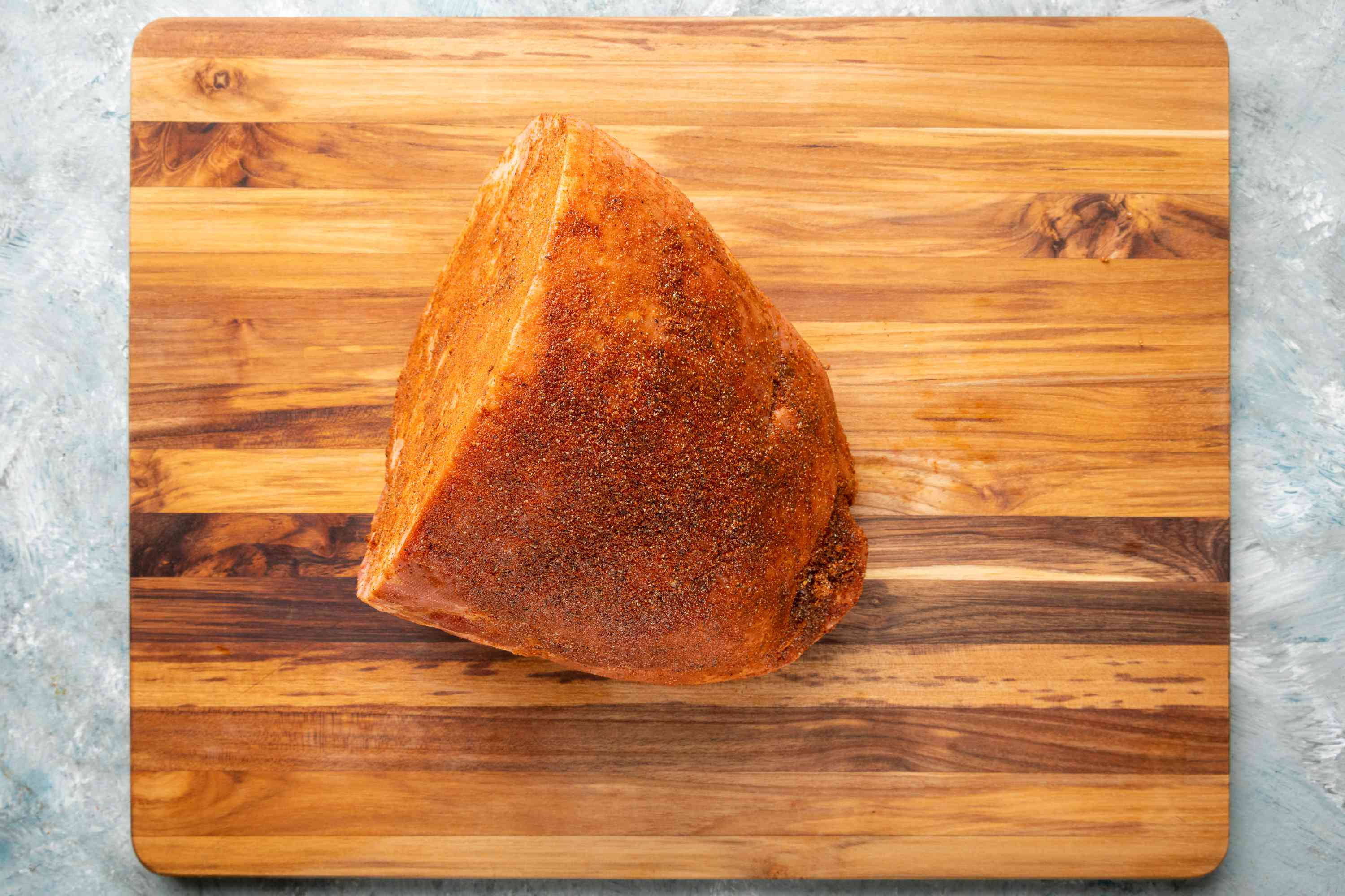 Ham with dry rub after it was refrigerated
