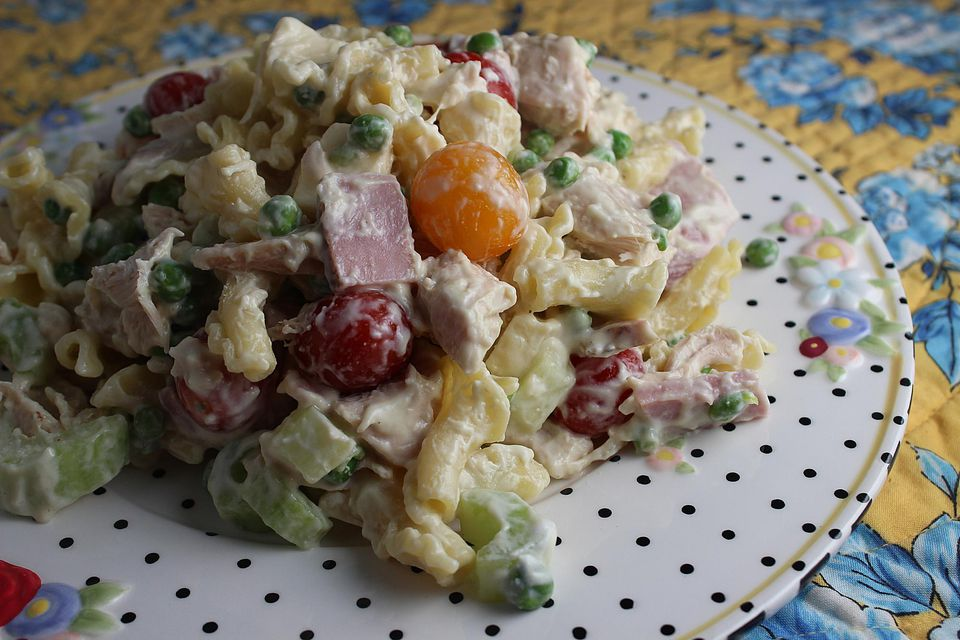 Chicken-Cordon-Bleu-Salad.jpg