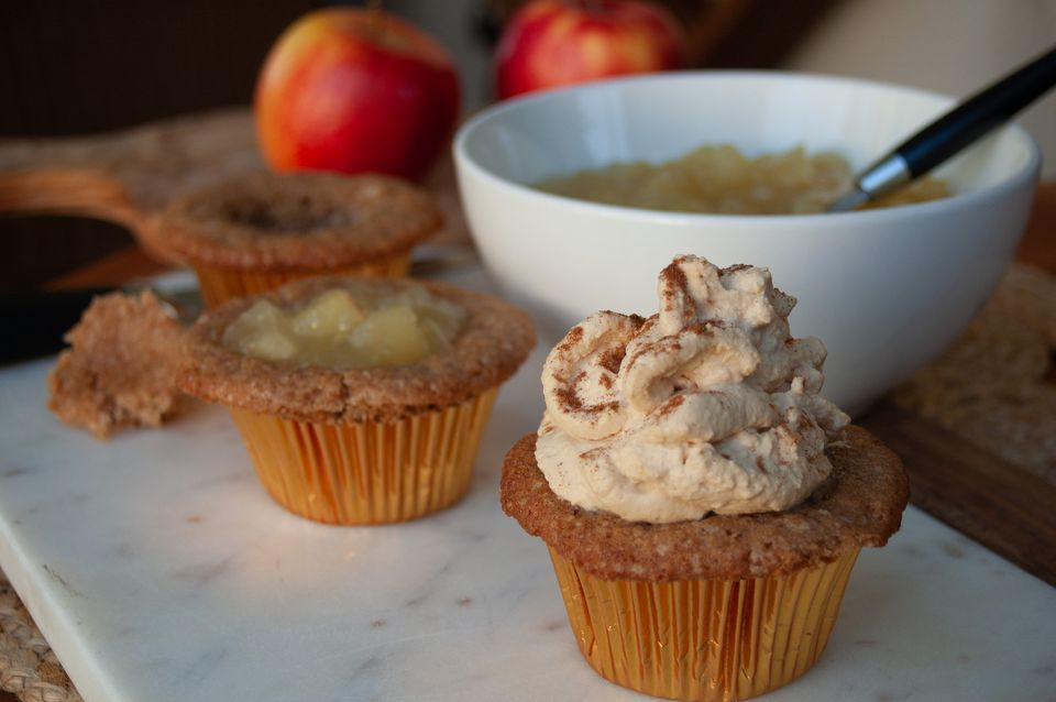 apple pie cupcakes with brown sugar whipped cream