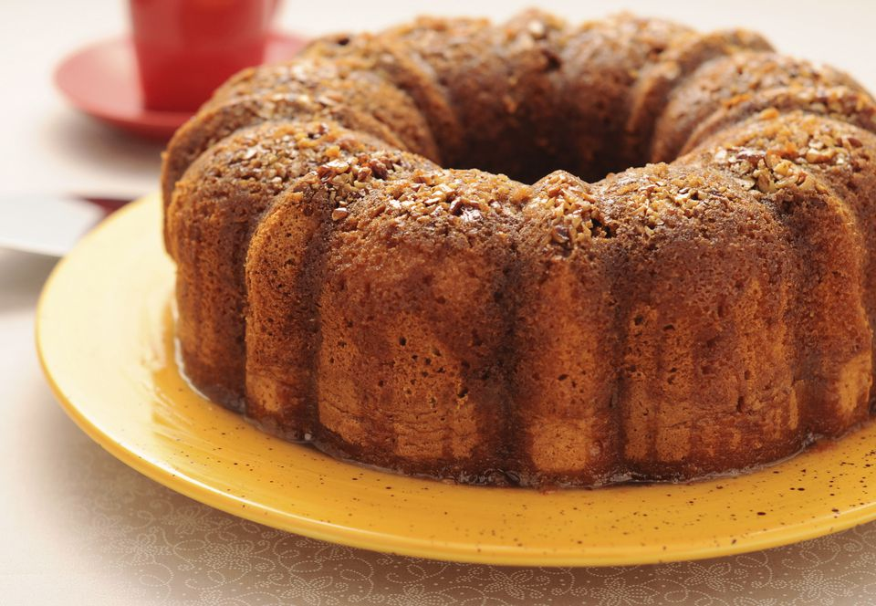 Apple Bundt Cake With Streusel