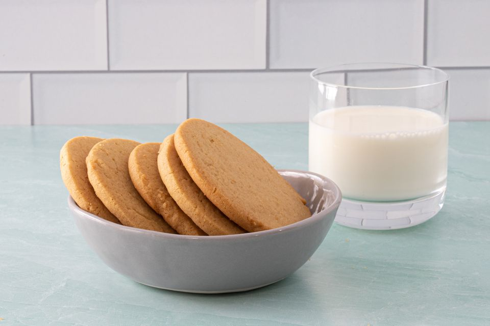 Peanut butter cookies and milk.
