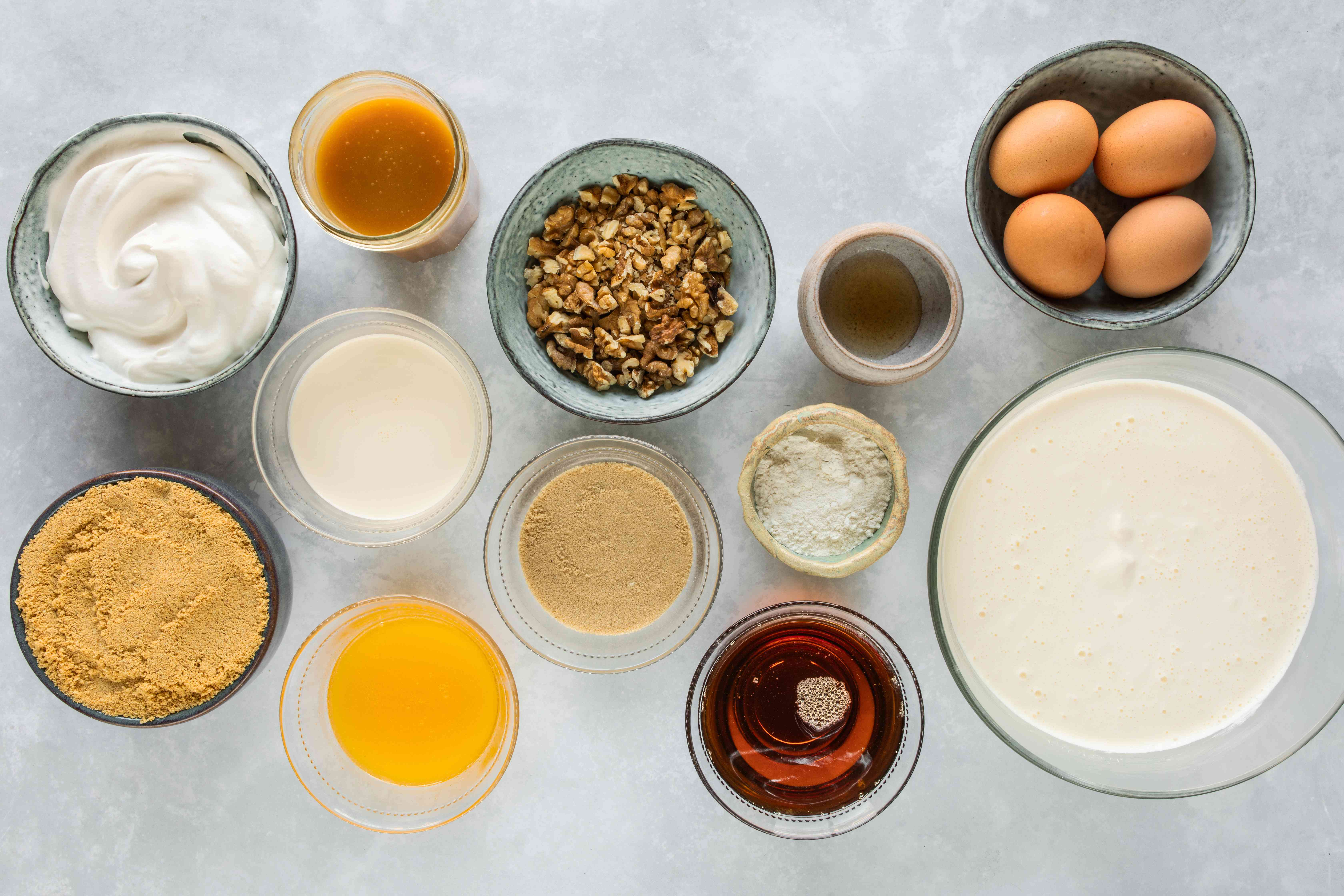 Ingredients for cheesecake crust