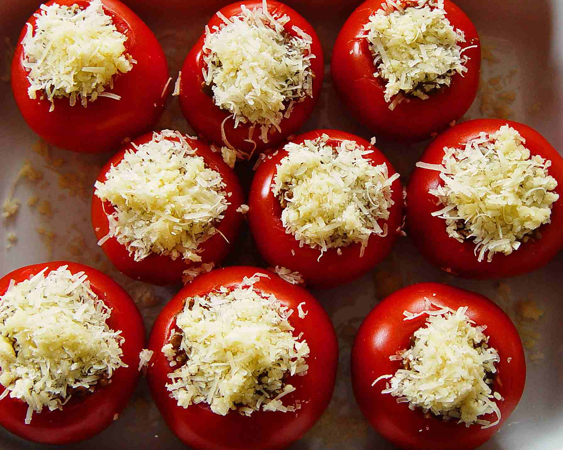 Vegetarian stuffed tomatoes with leftover rice