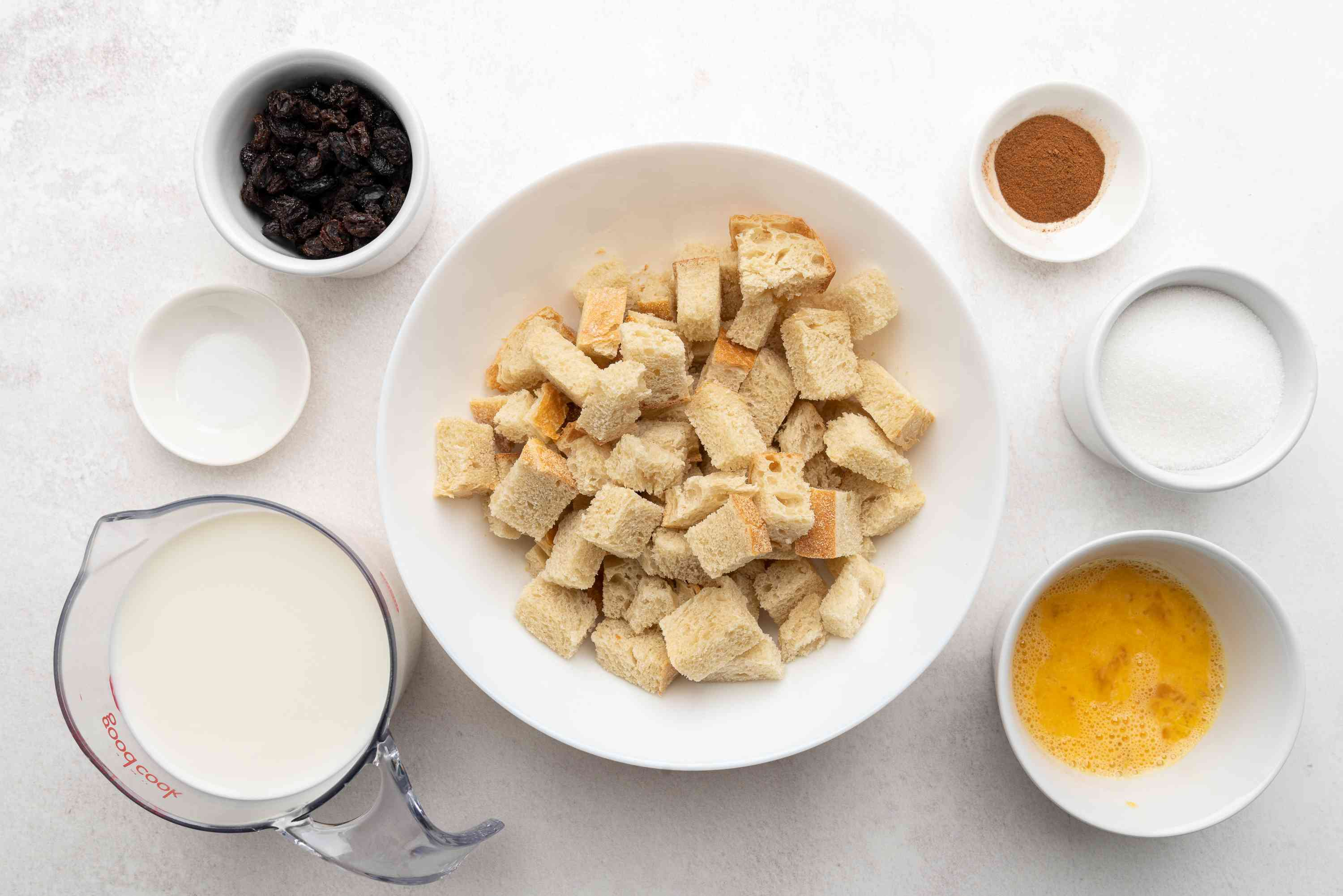 Old Fashioned Spiced Bread Pudding With Raisins ingredients
