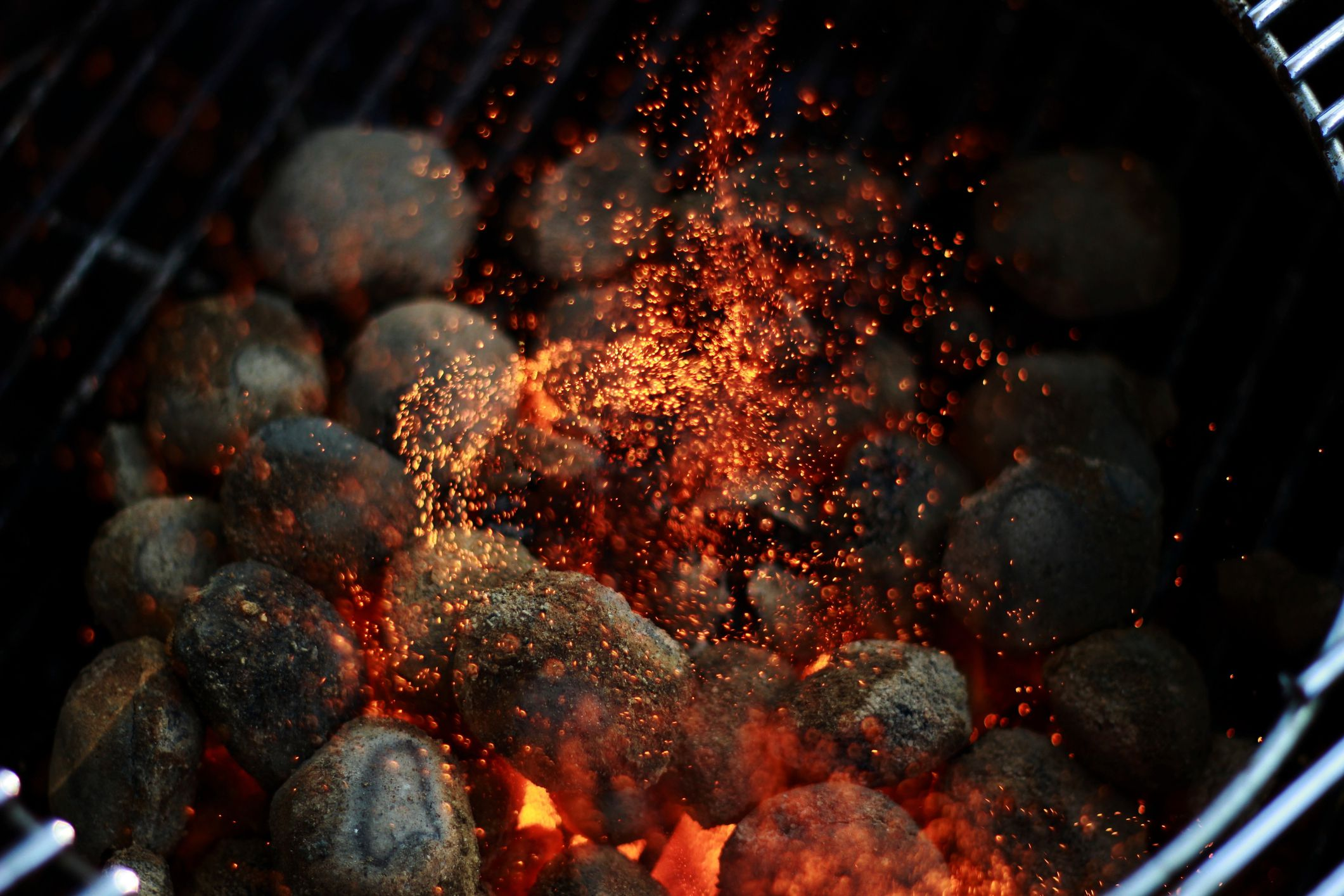How To Use A Charcoal Grill Mastering The Basics