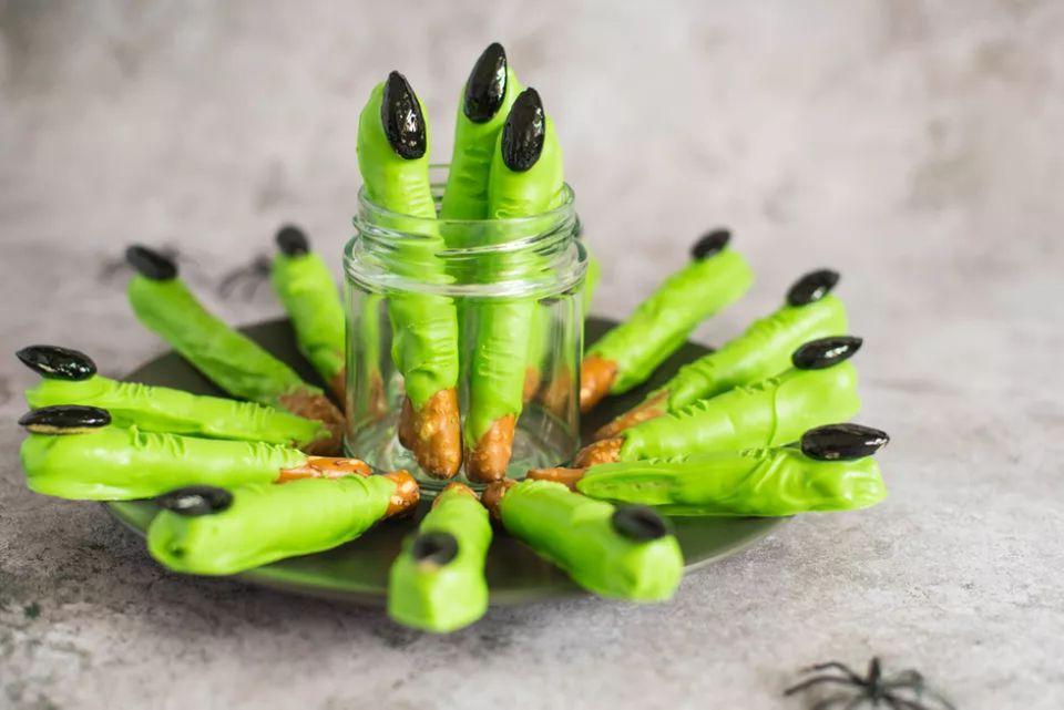 Witch Finger Pretzel Rods