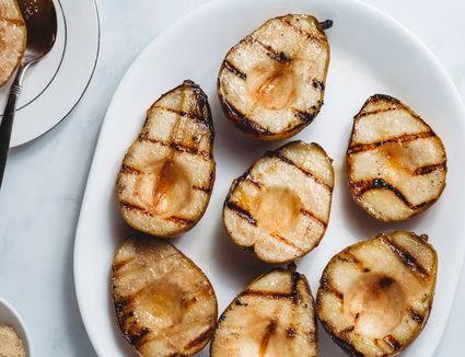 How to Grill Pears (Recipe and Variations)