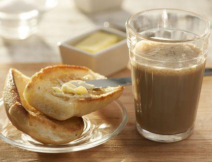 Pingado, Brazilian breakfast