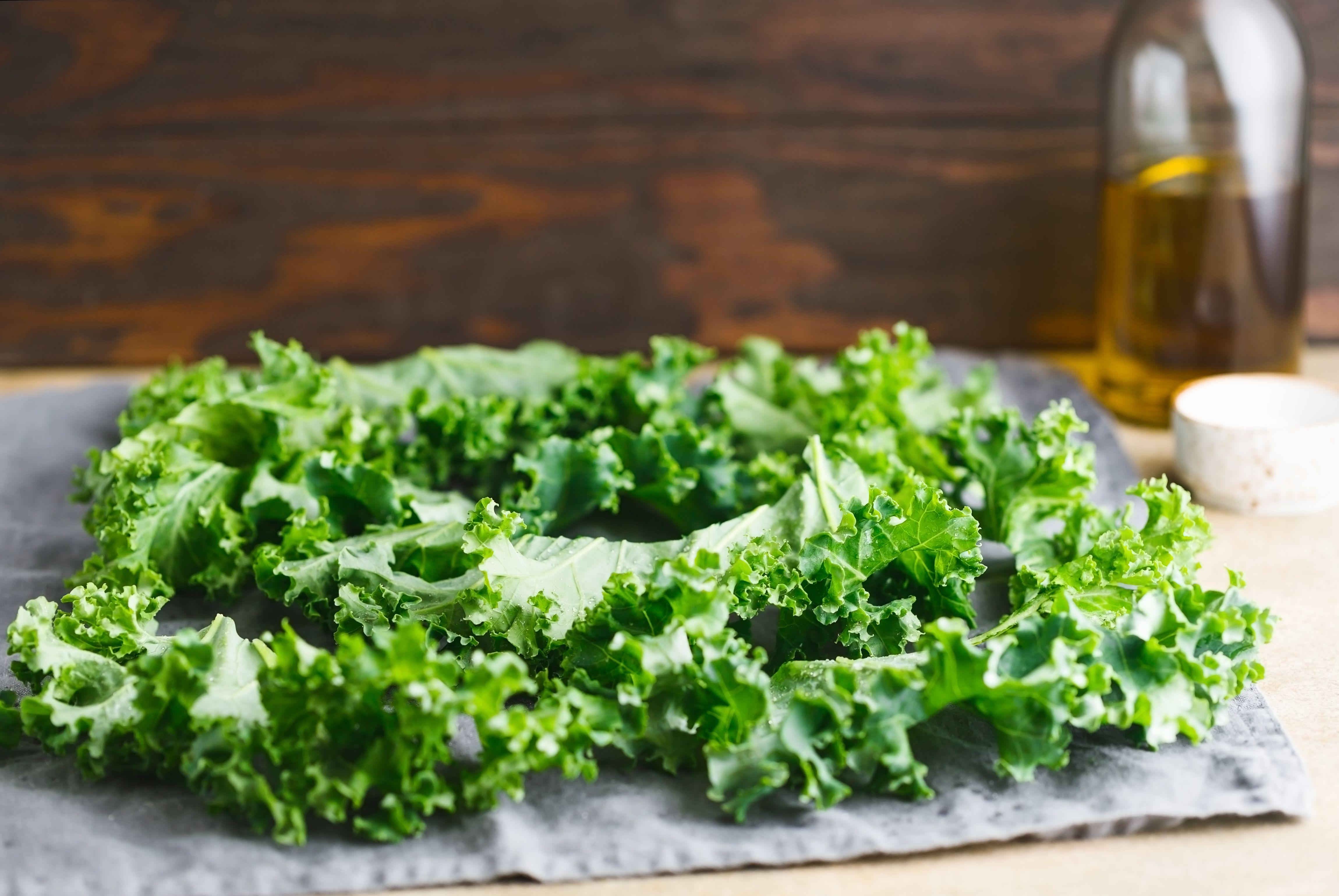 Rinse kale leaves
