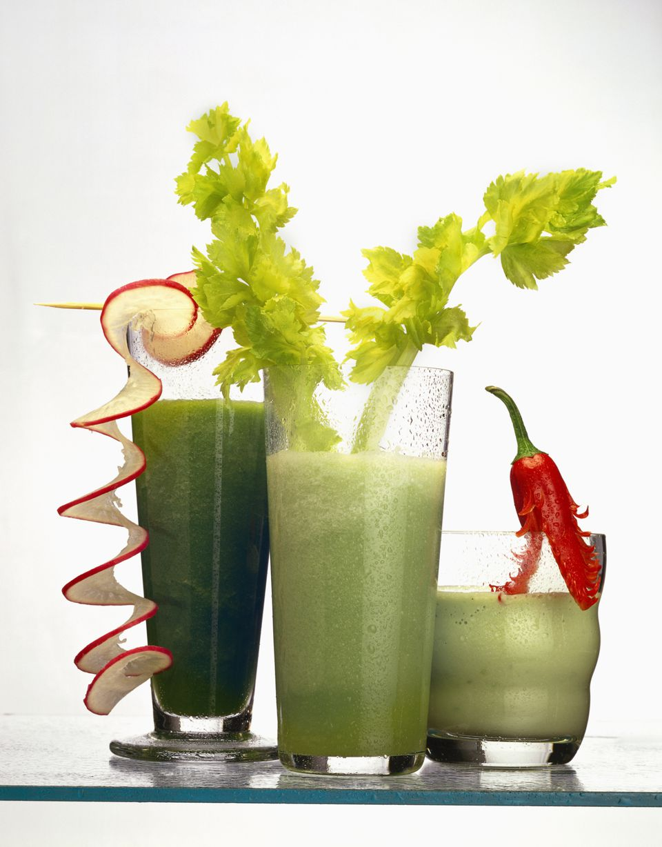 Dangers of Juicing and Smoothies