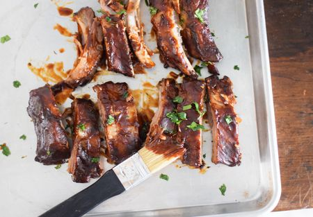 Spareribs Gasgrill : Cook barbecue ribs on a gas grill
