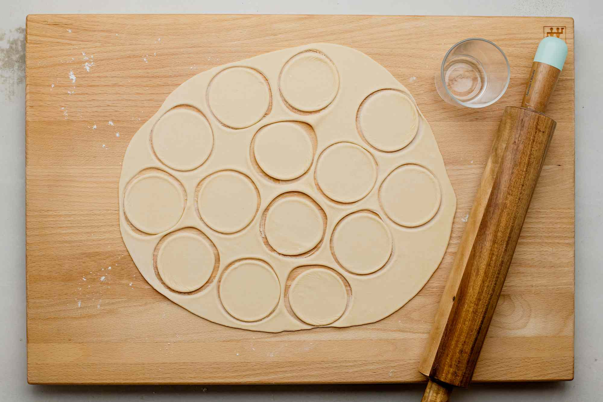 Cut out circles from the rolled dough