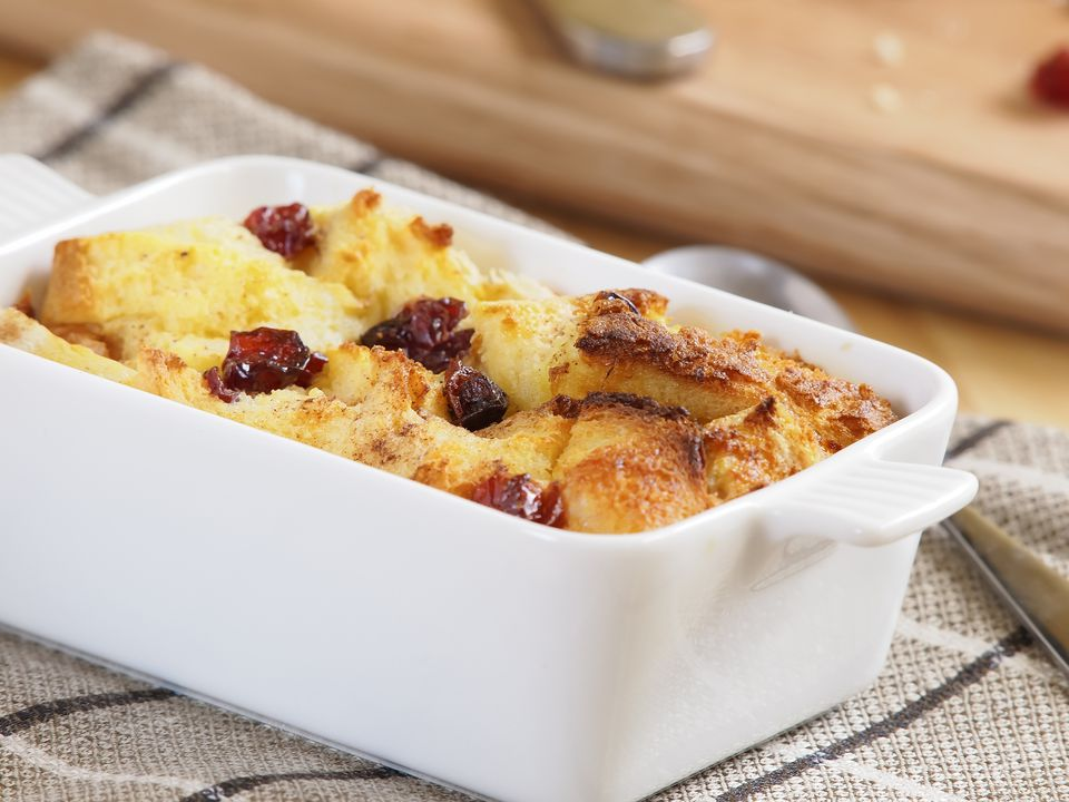 Rhubarb bread pudding