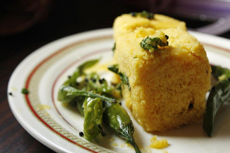 Receta Dhokla (Snack de harina de gramo al vapor)