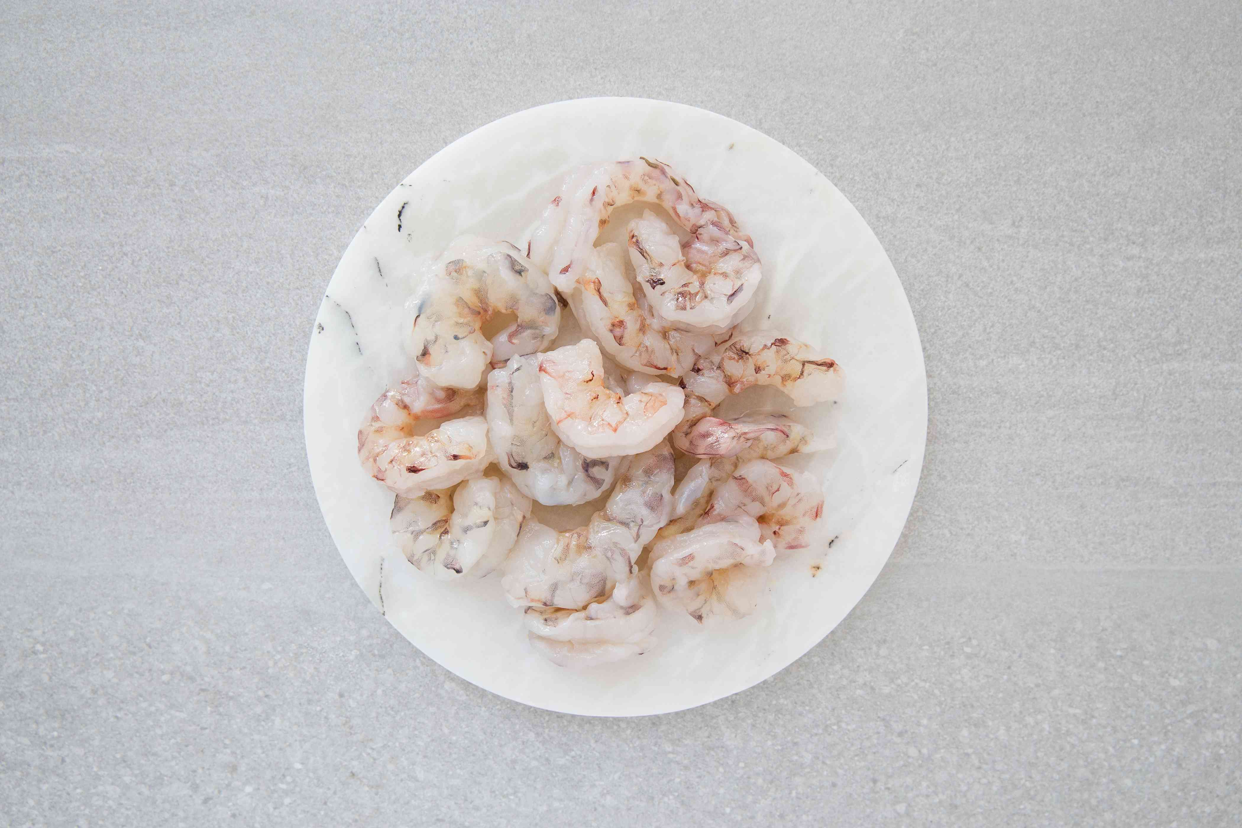 Rinse the shrimp and pat dry