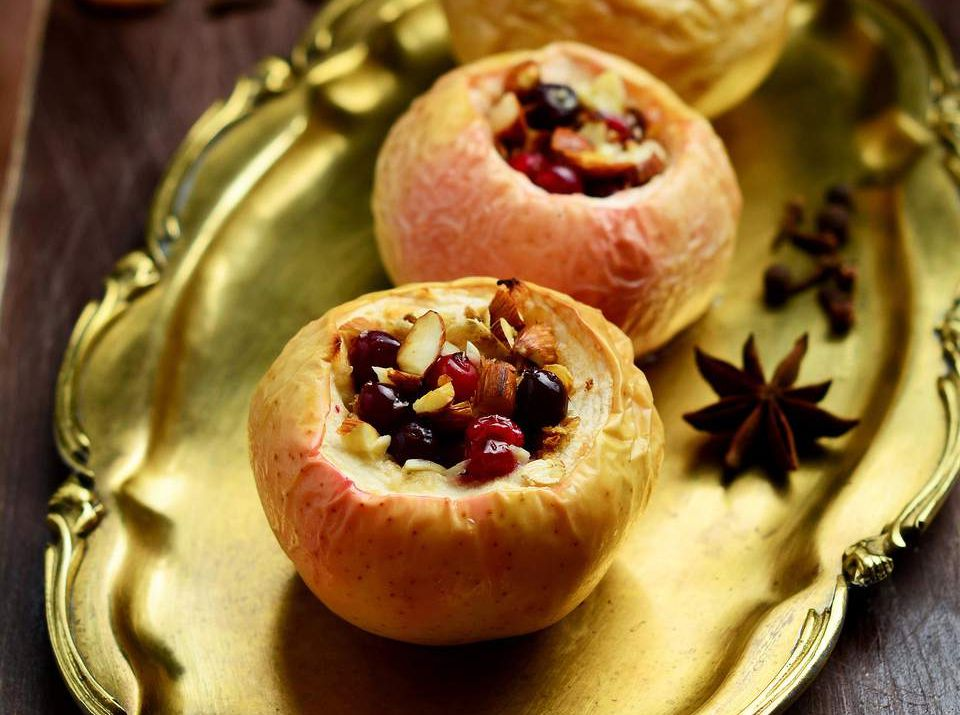 Easy Baked Apples With Pecans