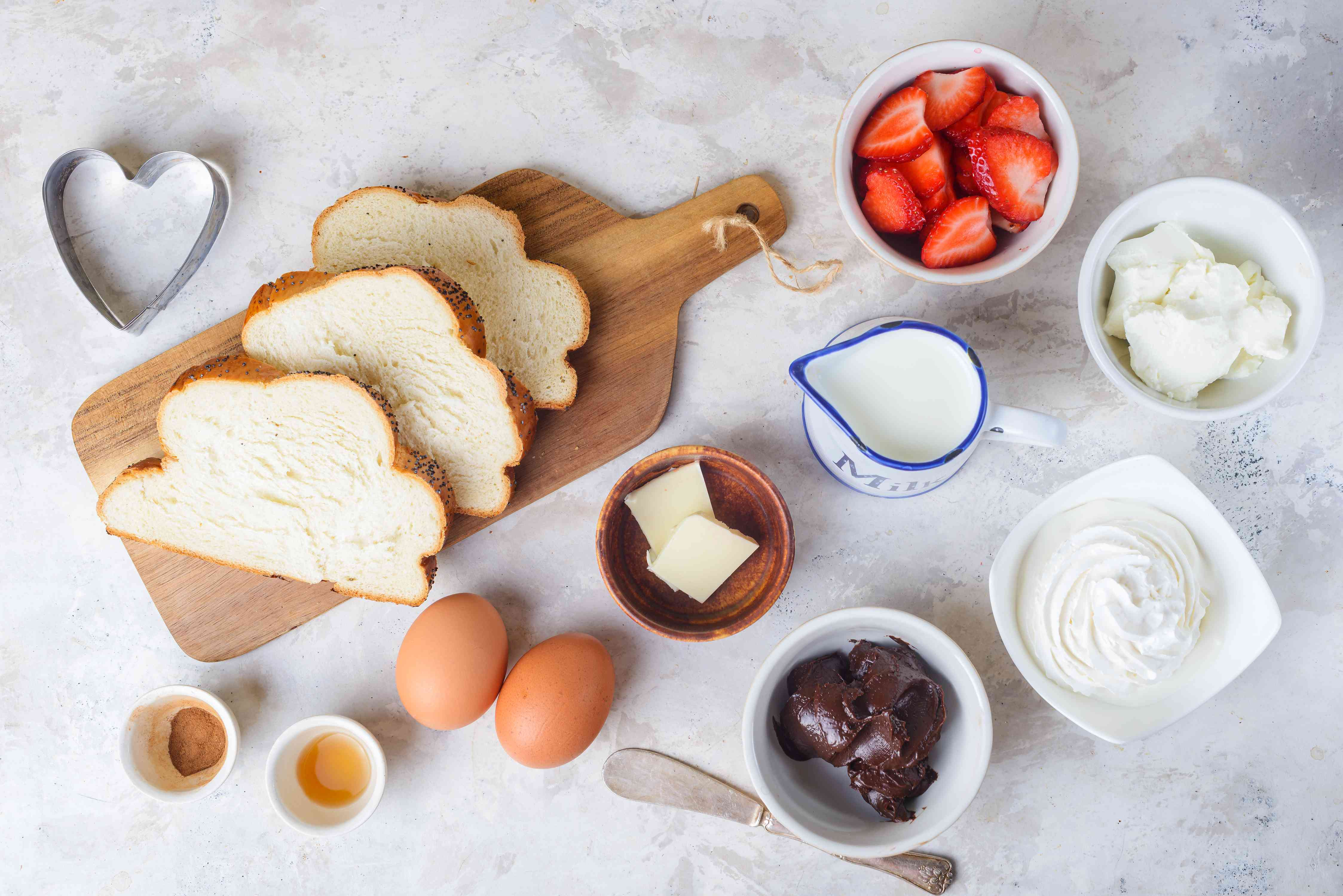 Ingredients for nutella strawberry grilled cheese