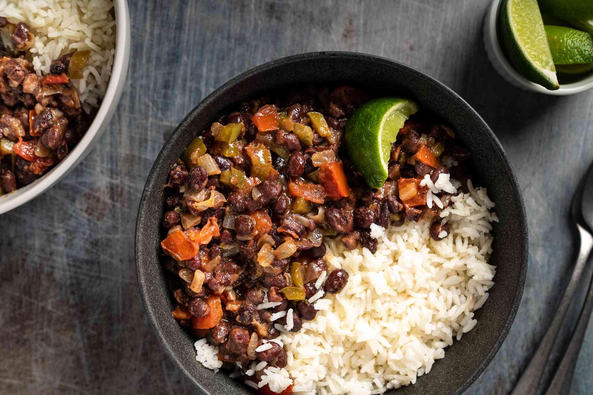 Basic Vegetarian Black Beans and Rice