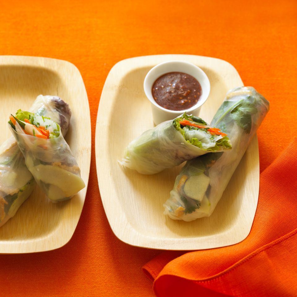 Veggie spring rolls with noodles