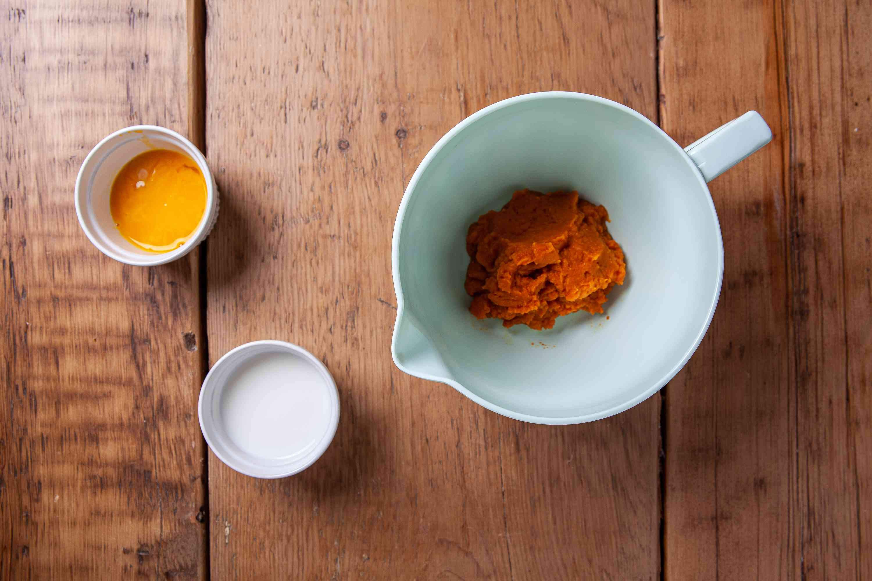 Mix up pumpkin chiffon pie