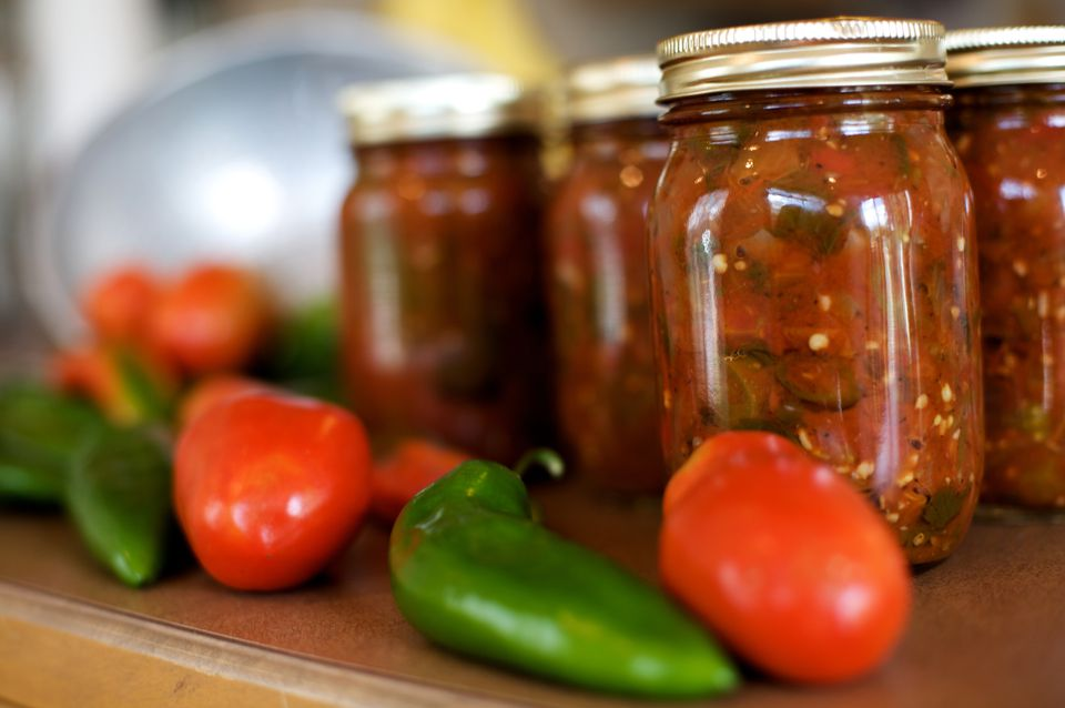 canned spicy mexican salsa