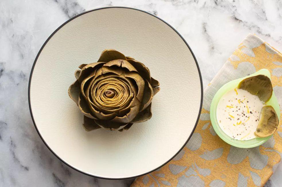 Instant Pot Artichokes With Lemon-Garlic Aioli