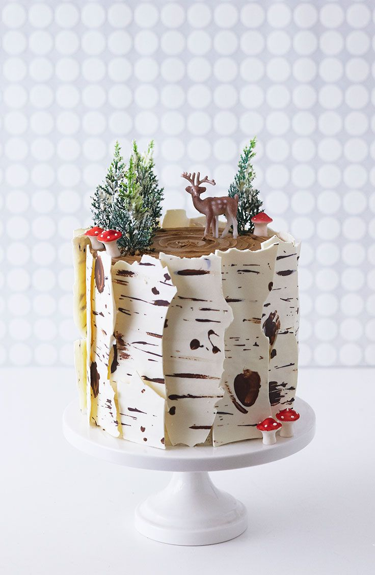 11 Instagram-Worthy Christmas Cake Decorating Ideas