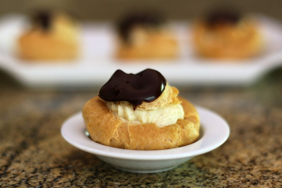 Cream Puffs With Basic Vanilla Pastry Cream