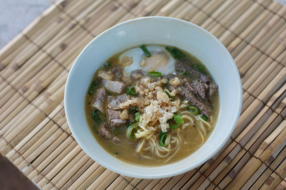 La Paz Batchoy: Central Philippines' Pork Noodle Soup