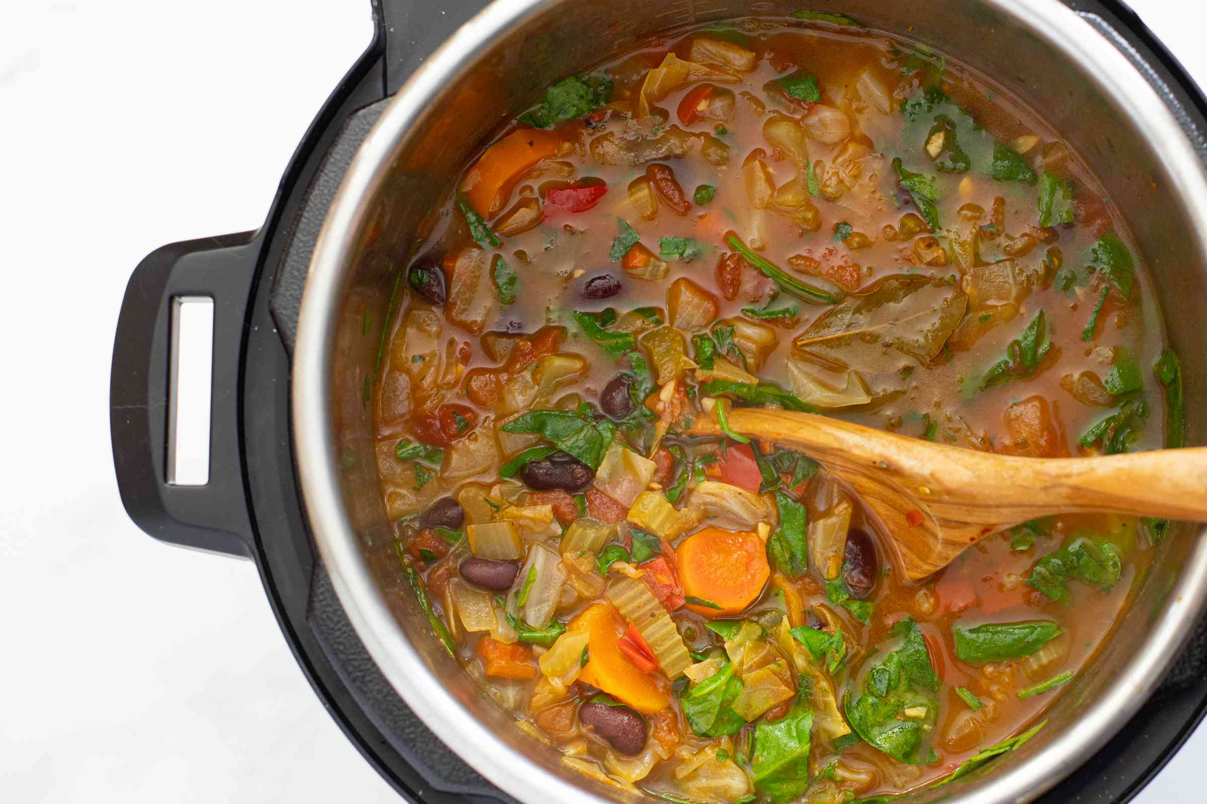 instant pot vegetable soup with beans