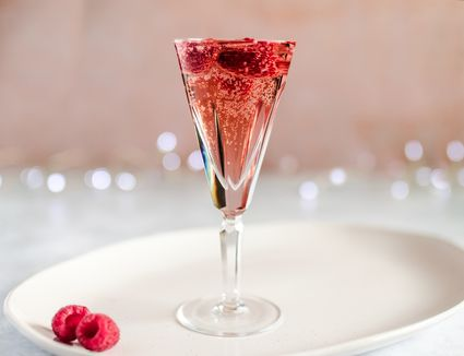 Champagne and chambord cocktail recipe