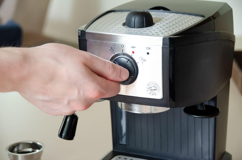 DeLonghi EC 155 Manual Espresso Machine