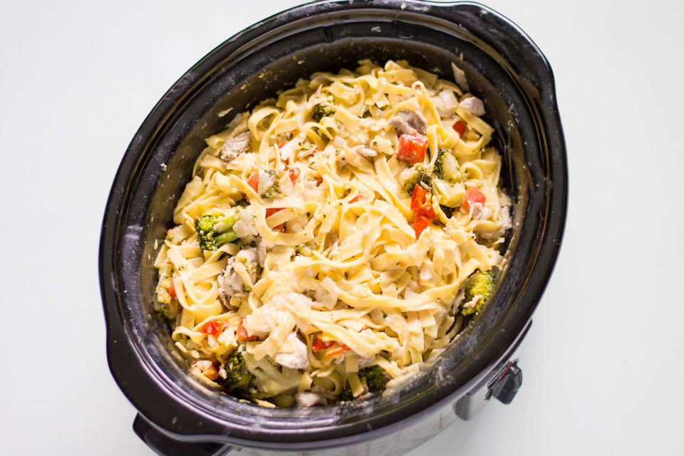Crock pot chicken Alfredo.