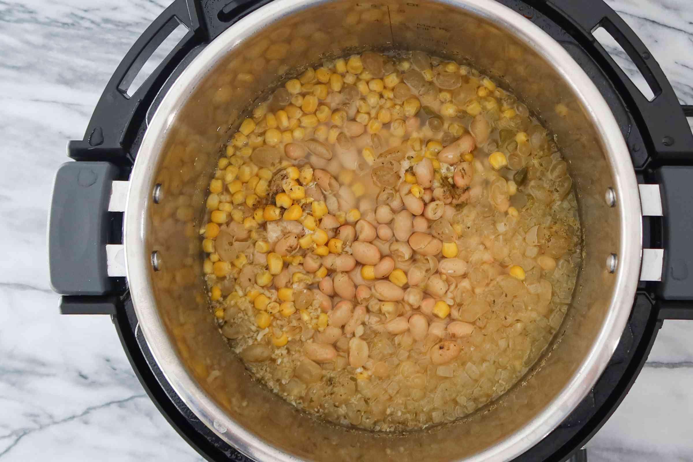remove the instant pot lid