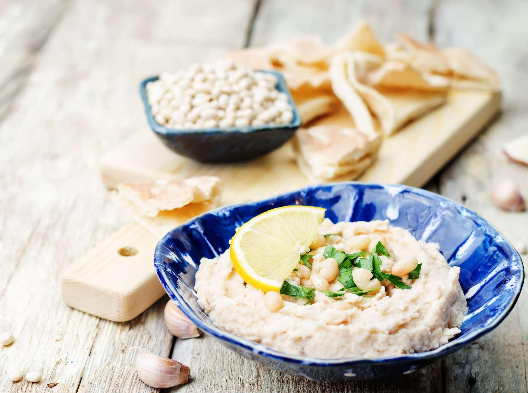 Vegan white bean spread