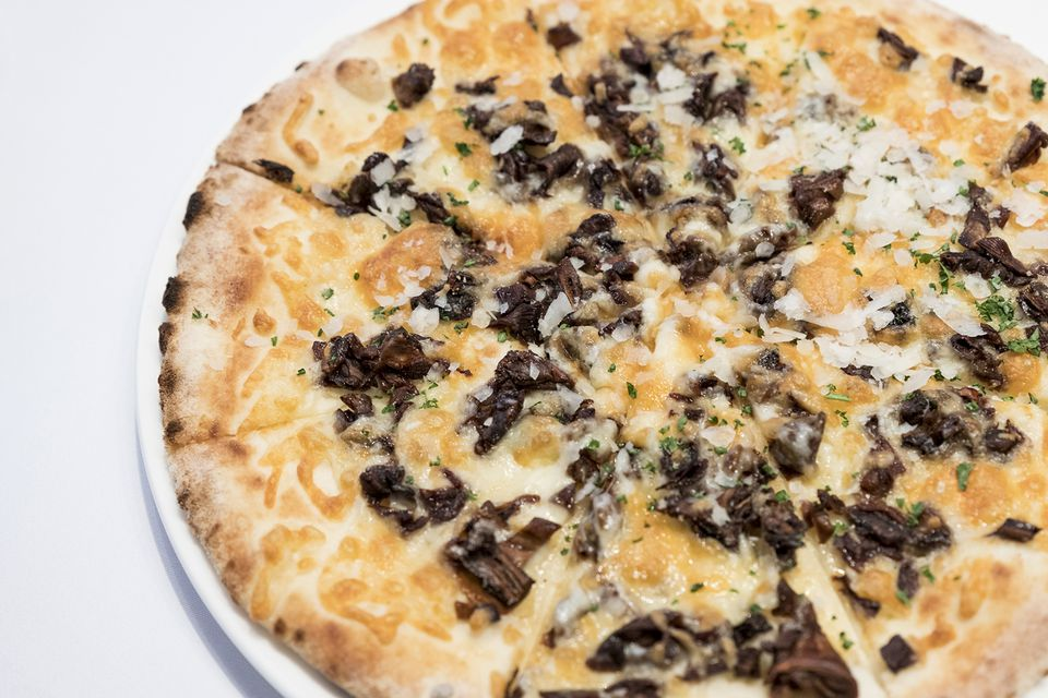 Roasted Mushroom, Cheese and Garlic Thin Crust Pizza