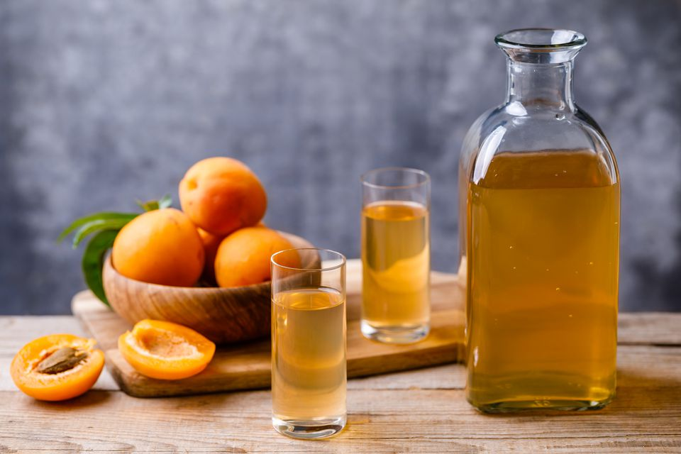 English apricot liqueur recipe