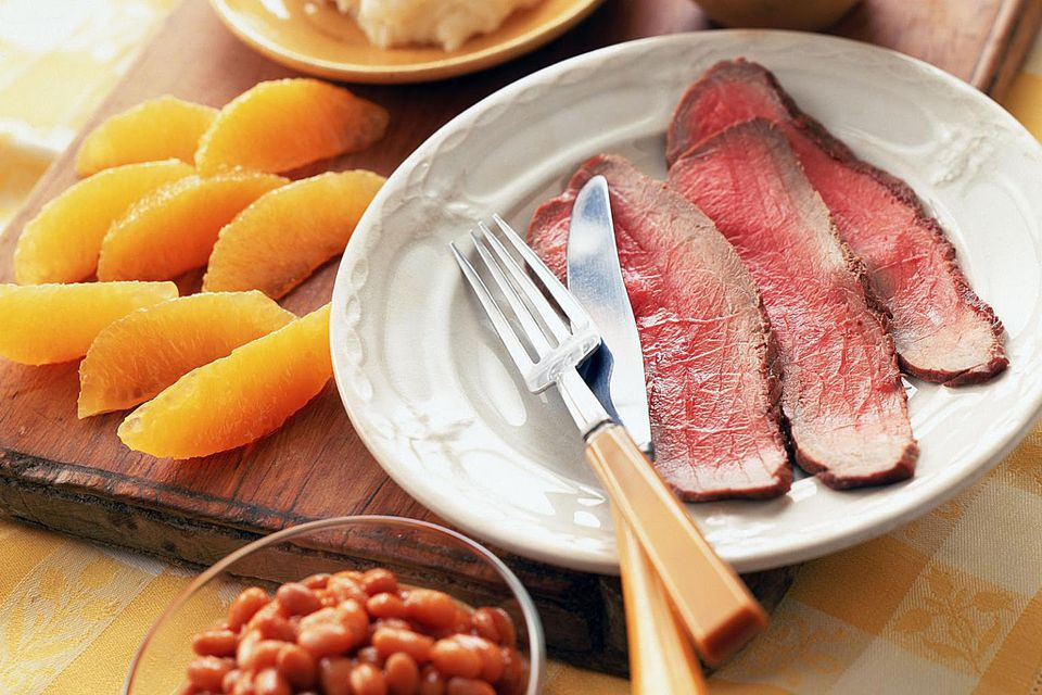 London broil with fruit and vegetables
