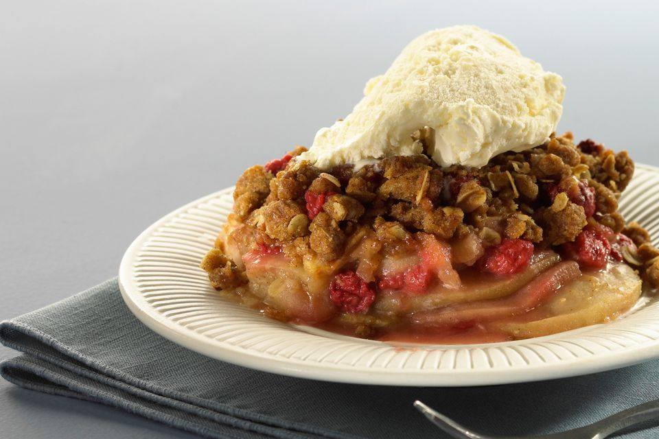 Fruit Crisp With Ice Cream