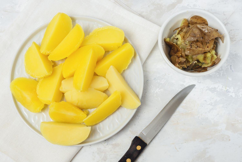 Boiled, cut potatoes
