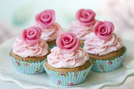 How To Make A Rose Out Of Frosting