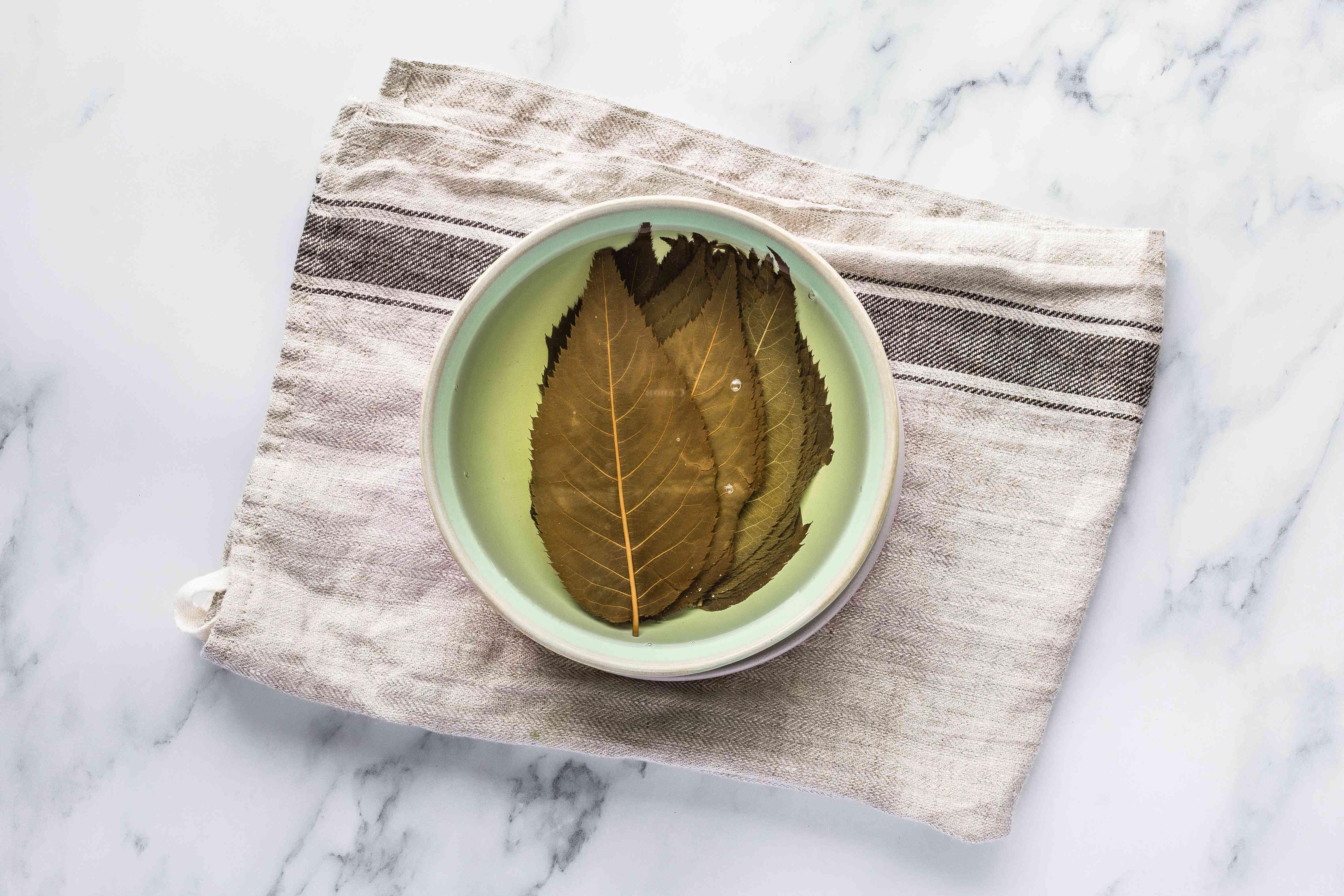 Soak sakura leaves