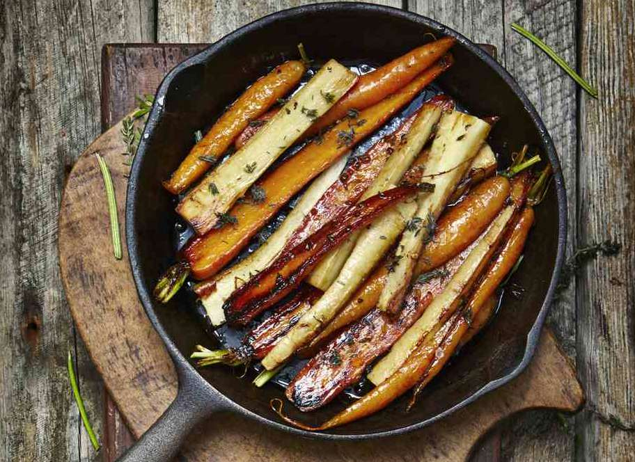 Easy Roasted Carrots With Parsnips and Herbs