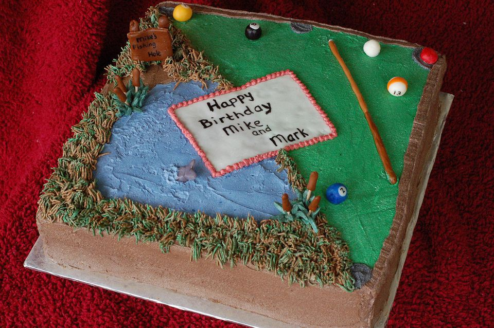 Cake decorated to look like fishing hold
